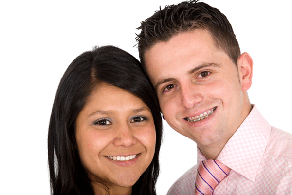 adult-couple-with-braces-and-invisalign
